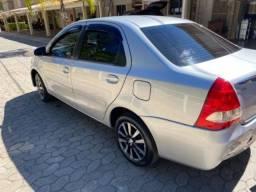 Automóvel Toyota Etios Impecável