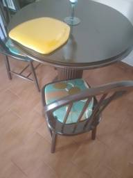 Mesa redonda 4 cadeiras