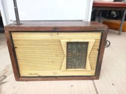Radio antigo  p  decoracao  leia  a  baixo