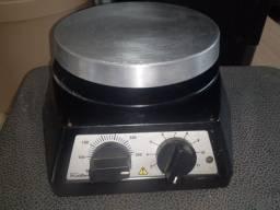 Agitador Magnético com Aquecimento 752A FISATOM 127v
