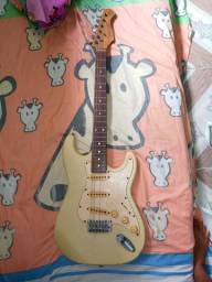 Troco em violão de corda de aço