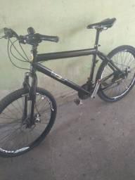 Bicicleta câmera e  notebook