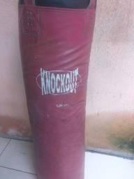 Saco de pancada para boxe e muay thai