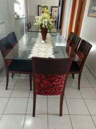 Mesa de jantar com tampo de vidro 6 lugares
