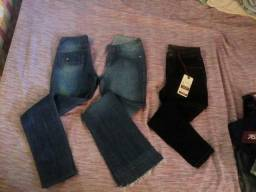 Vendo um lote de roupas novas e calças de marca