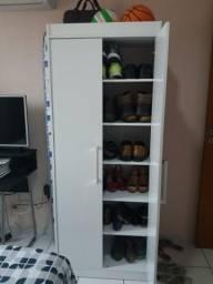 Sapateira/armário branca pouco tempo de uso