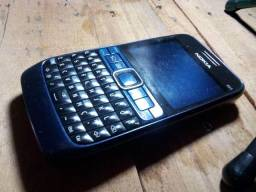Nokia E-63 single chip. Só pega Vivo. Não roda WhatsApp