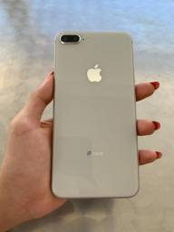 IPhone 8 Plus 64GB Prata seminovo, ótimo estado