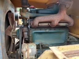 Vende-se um rolo compactador pé de Carneiro