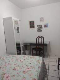 Aluguel de quarto individual para moça no Campinas/ Kobrasol