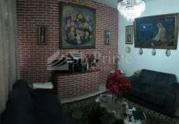 Casa com 3 dorms na Vila Romana