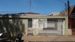 Título do anúncio: Excelente casa localizada no Jardim Paulista, próximo Avenida Meira Junior com 396m² de ár