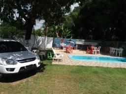 Casa com 2 quartos., piscina, churrasqueira, climatizada em Salinas (com internet)