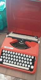 Vendo máquina de escrever em perfeito estado