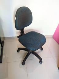 Cadeira giratória com regulagens