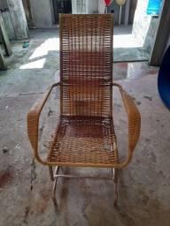 Cadeira de embalo semi nova