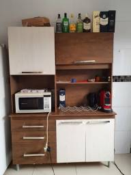 Armário de cozinha em perfeito estado