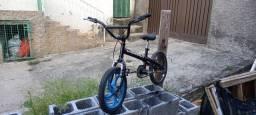 Vendo bike aro 16 pra sair hoje 200 até 150