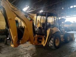 Retroescavadeira 416E 4x4 ano 2012 - Caterpillar<br><br>
