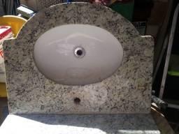 lavatório de banheiro