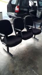 Móveis para escritório e cadeiras