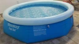 Piscina bestway 2.300 litros
