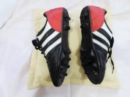Vendo par de chuteiras para futebol