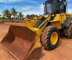 Pá Escavadeira WA 200 - Ano 2015 - R$ 268.000