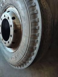 Roda 10 furos com pneu 900/20