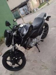 Vendo cb 300 Ano 2013