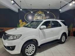 Toyota Hilux SW4 SRV 3.0 7 lugares