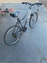Bike muito nova e conservada