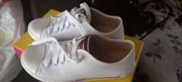 Sapato novo na caixa usei só uma vez novo