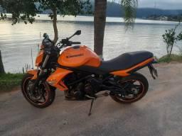 Kawasaki 650 vendo troco menor valor