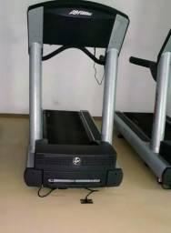 Esteira Life Fitness 93T