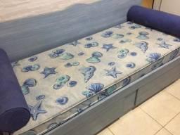 Cama de solteiro em patina azul com dois gavetões