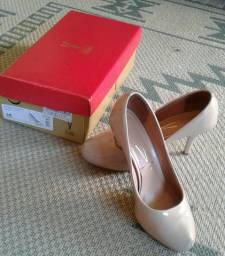 Sapato vizzano 35 nude