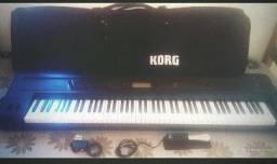 Korg kross workstation com fonte e capa