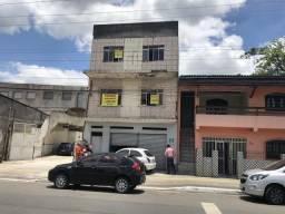 Vendo ou Alugo Lojas/ galpao na Radial A centro de Camaçari ( lado C. Bombeiros)