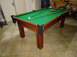 Mesa Tentação de 4 Pés   Mesa Imbuia   Tecido Verde   Modelo: VWVC8490