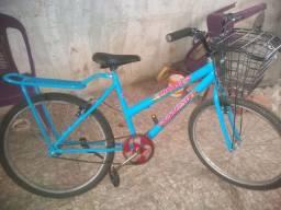 Bicicleta feminina azul com certinha reforçada