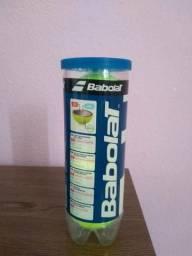 Raquete de tênis bolinhas