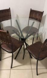 Mesa Tampo De Vidro 4 Cadeiras