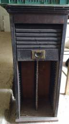 Móvel antigo porta de correr 2