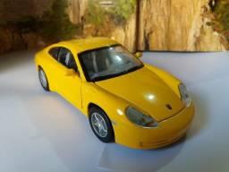 Miniatura Porsche 911 Carrera Hard Top Amarelo Escala 1/30 (12cm)