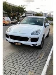 Porsche Cayenne Platinum Edition 3.7 V6