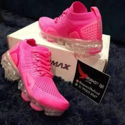 Tênis Nike Vapor Max v2 rosa pink