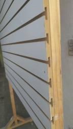Painel de madeira Canaletado