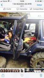 Jeep cherokee lindo troco por loja em Shoping