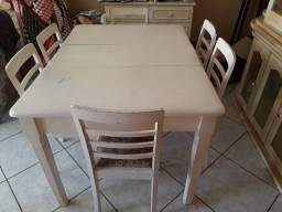 Mesa de jantar de Maçaranduba com jacarandá